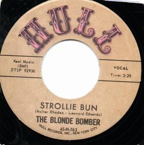 BLONDE BOMBER - Strollie Bun