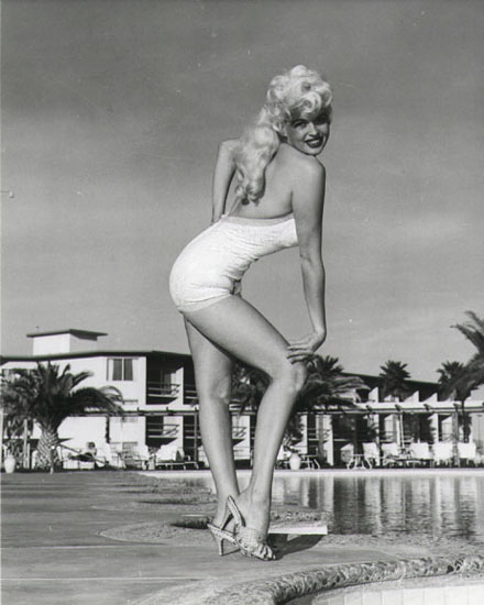Jayne Mansfield - am Pool
