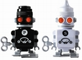 1 x SALZ- UND PFEFFERSTREUER ROBOTER - SALT AND PEPPER BOTS