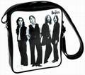 1 x SCHULTERTASCHE BEATLES - PHOTO BLACK & WHITE (HOCH)