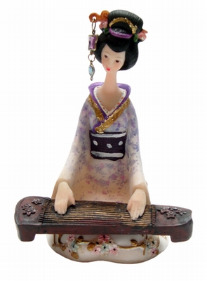 Japanische Puppe