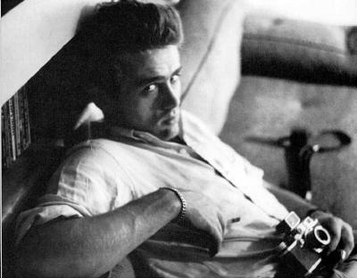James Dean - mit Foto-Apparat